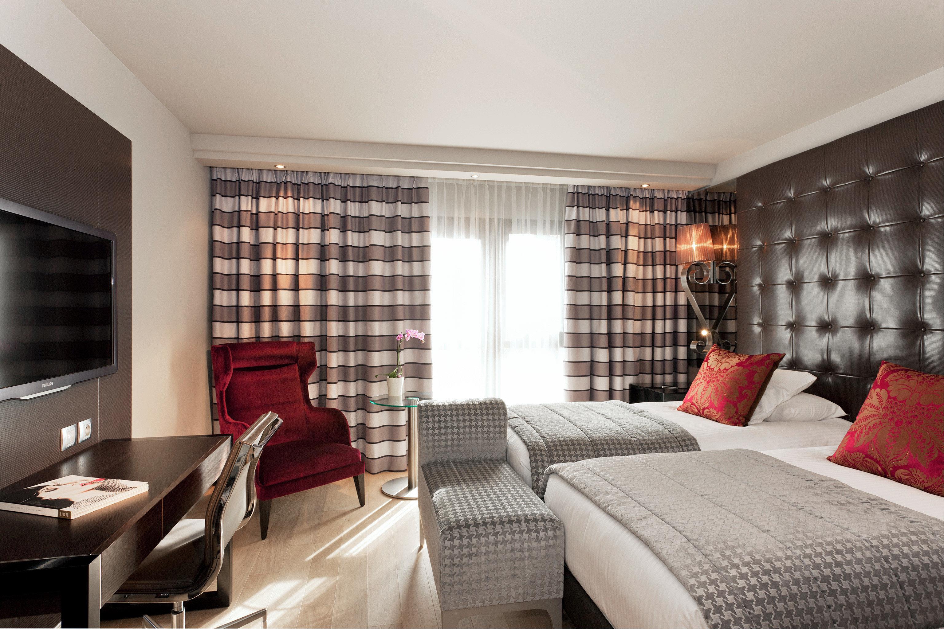 Bedroom Modern Resort sofa property living room Suite condominium home flat