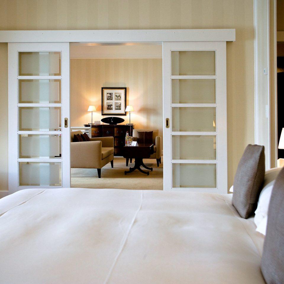 Bedroom Modern Resort Suite property living room home hardwood cottage