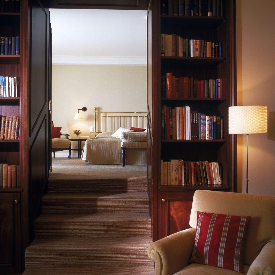 Bedroom Modern Resort Suite shelf book living room home hardwood shelving bookcase wood flooring bookshelf