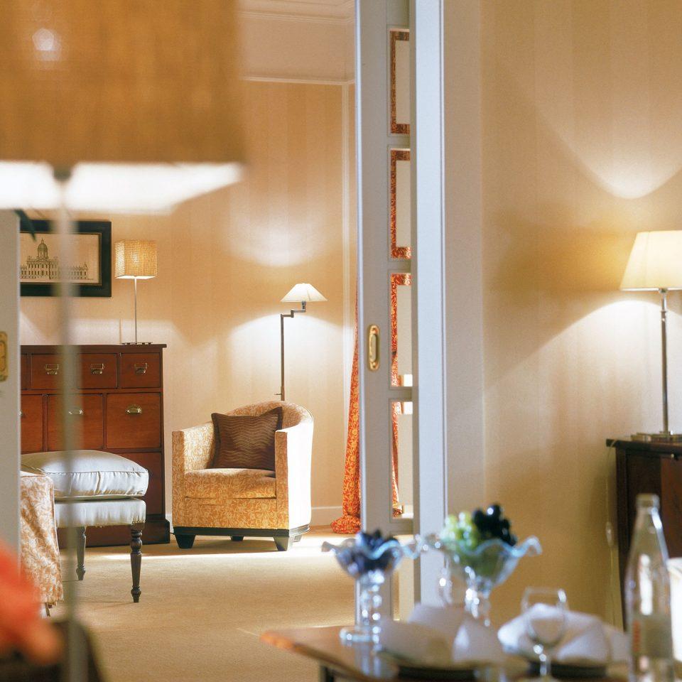 Bedroom Modern Resort Suite property home living room lighting condominium restaurant cottage
