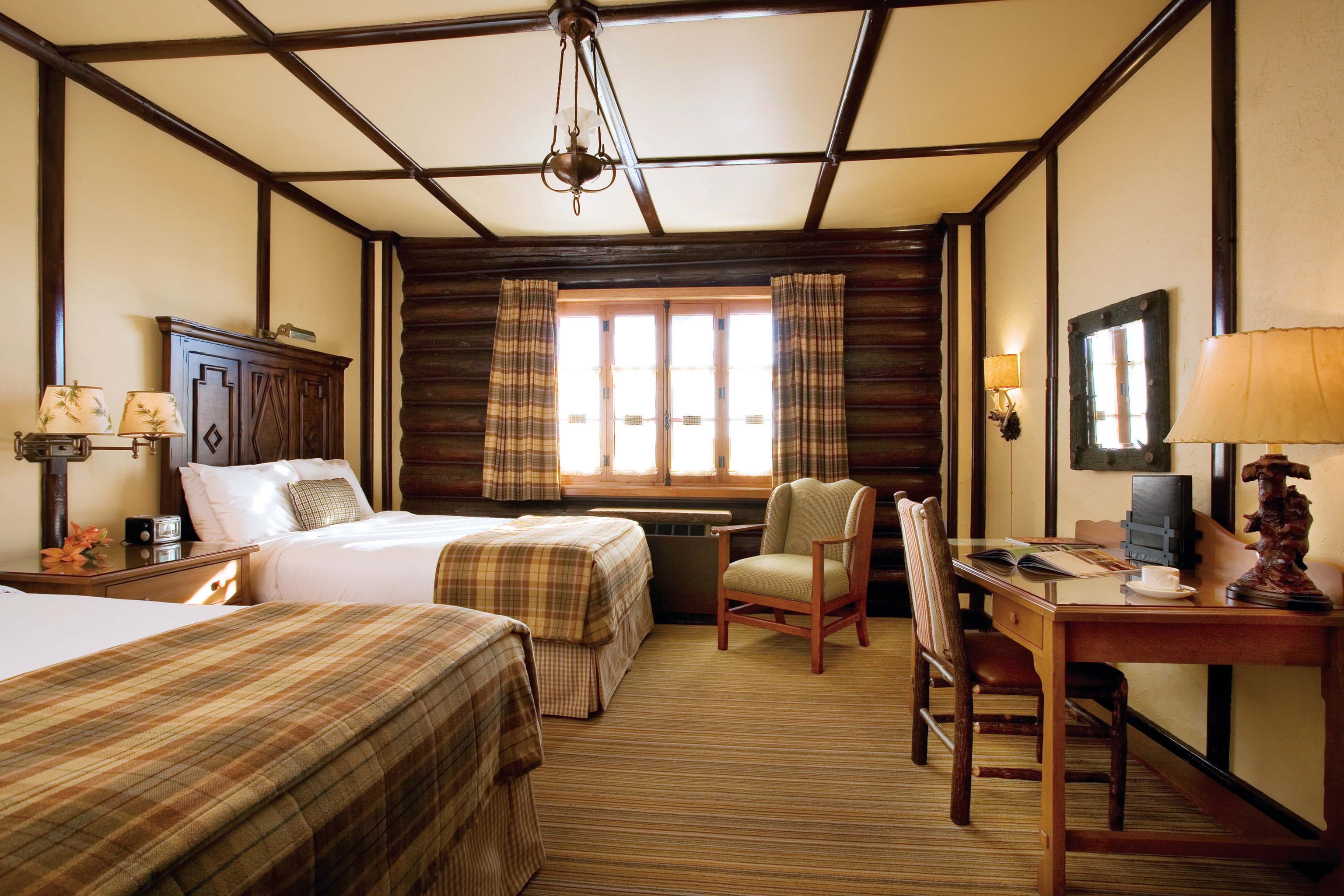 Bedroom Modern Resort property living room home hardwood cottage Suite farmhouse wood flooring condominium Villa