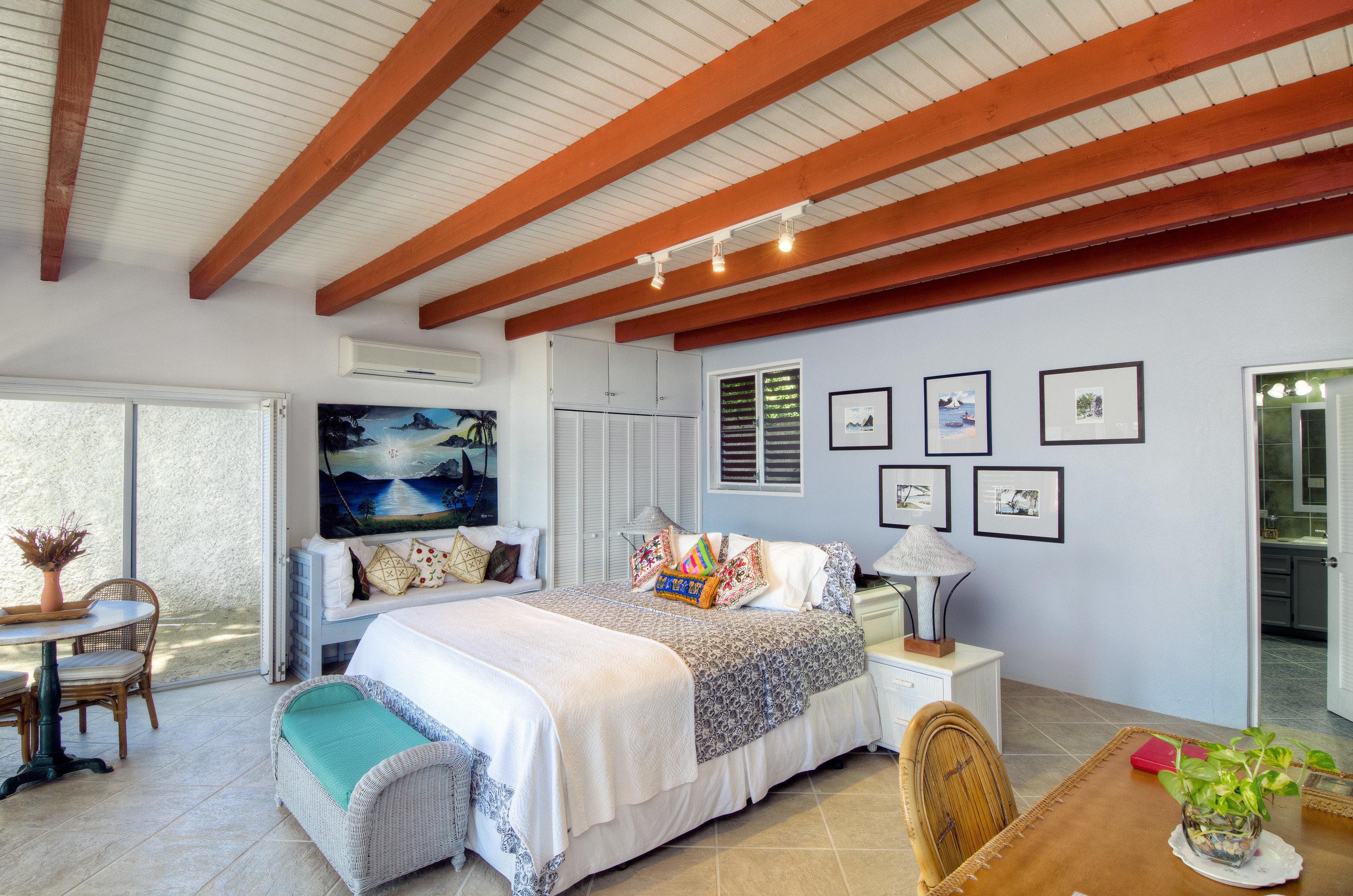 Bedroom Modern Suite property Villa cottage living room home Resort farmhouse condominium