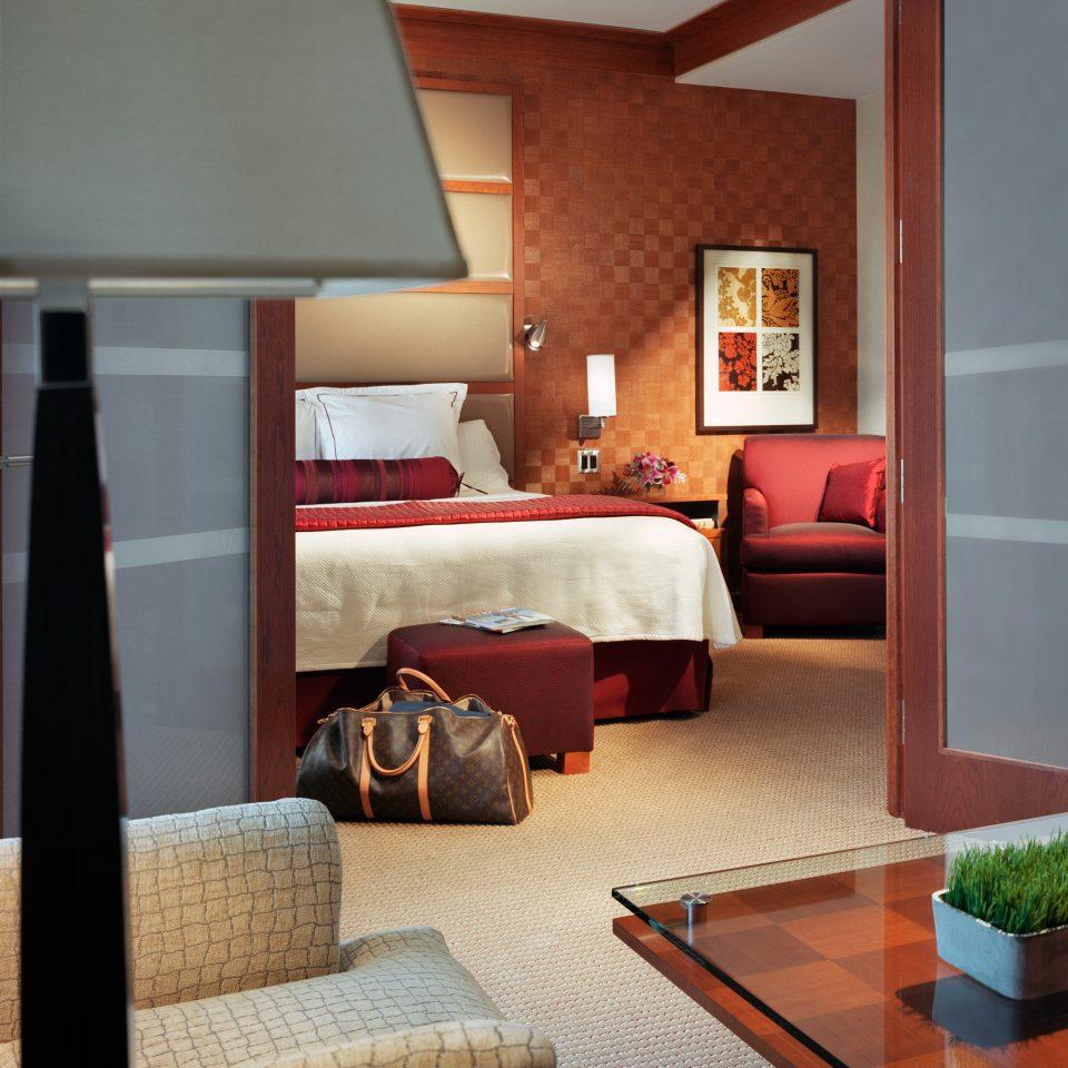 Bedroom Modern Resort property living room home house hardwood Suite cottage
