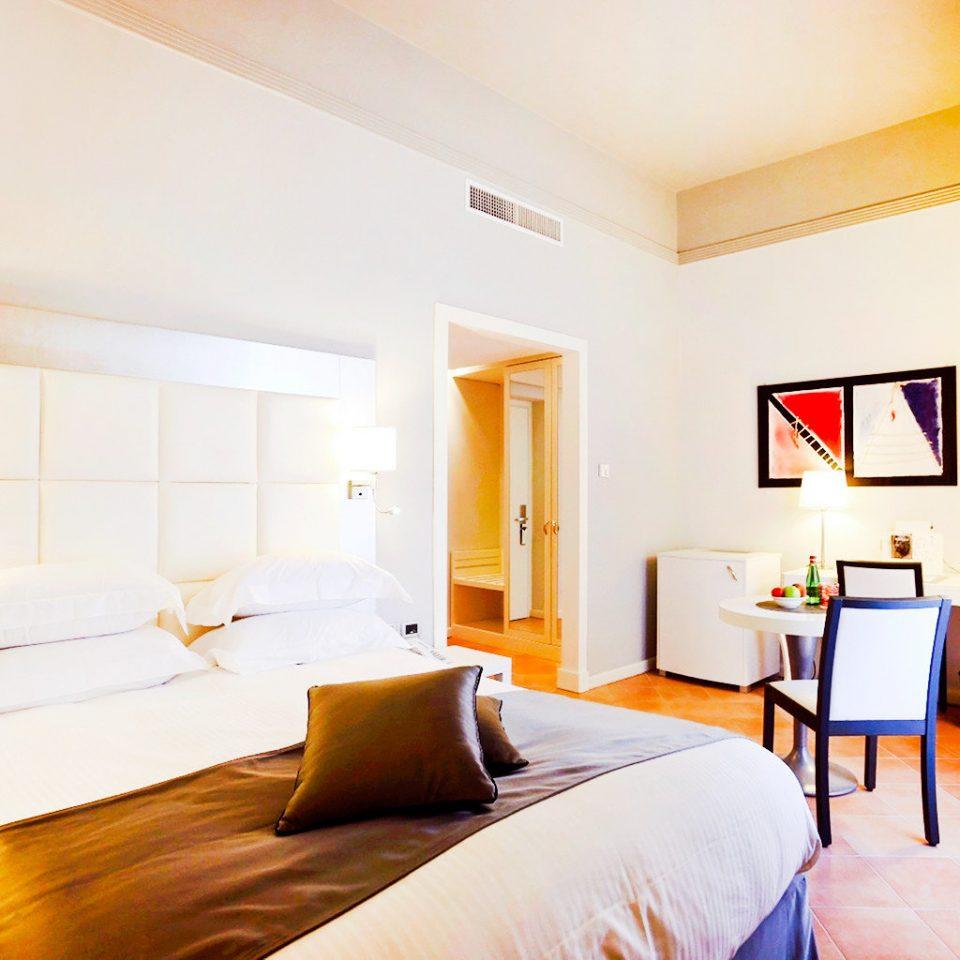 Bedroom Modern Resort property Suite scene cottage Villa
