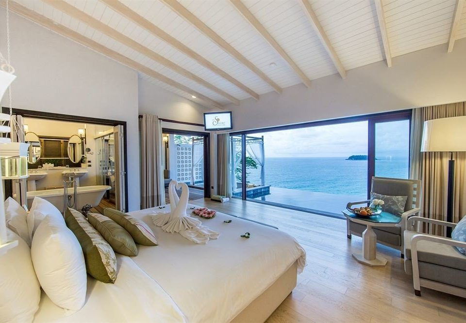 sofa property condominium living room home Suite Bedroom Villa cottage Resort flat Modern