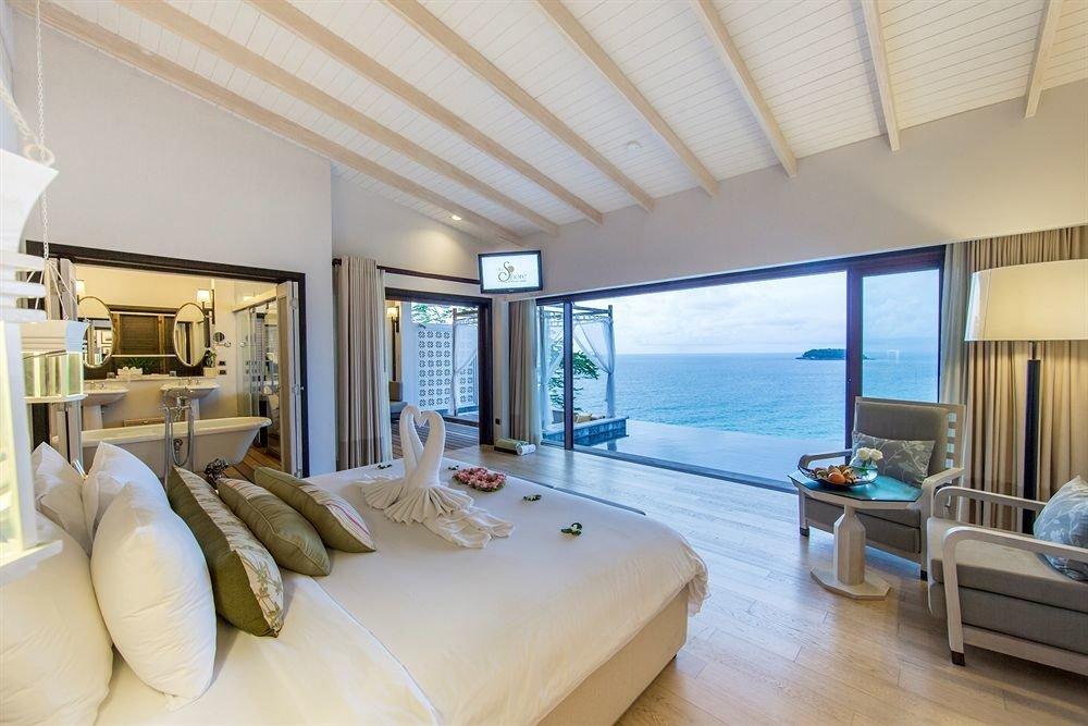 sofa property condominium living room home Suite Bedroom Villa cottage Resort flat Modern