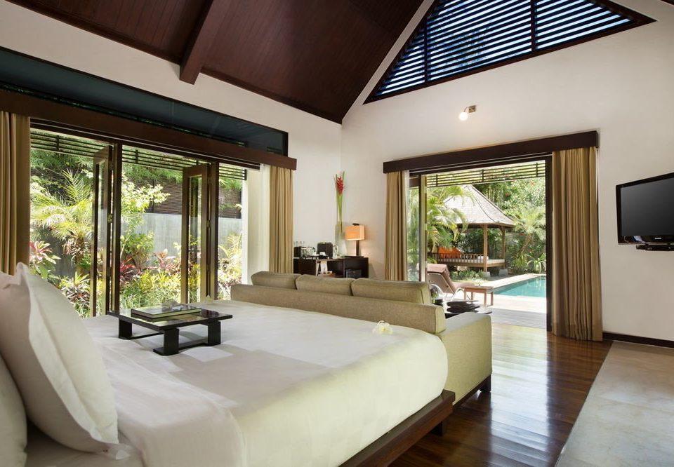 sofa property Resort living room Villa condominium Suite home Bedroom cottage nice mansion Modern flat