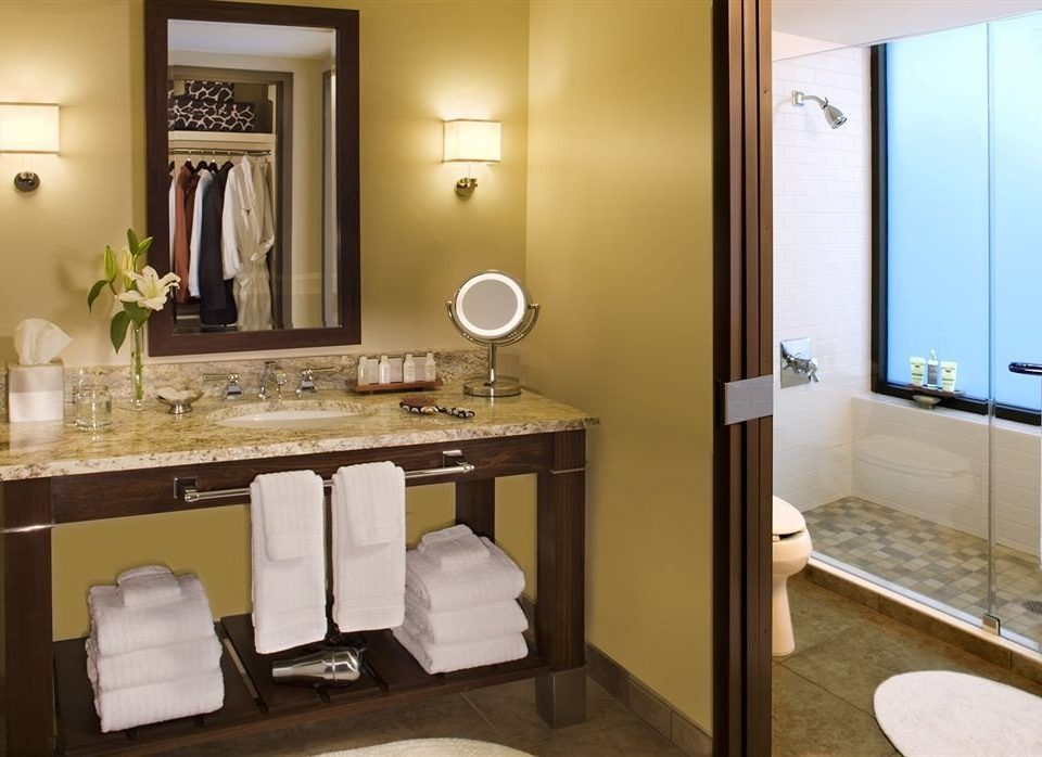 bathroom mirror property sink Suite home towel cottage cabinetry plumbing fixture Bedroom Modern