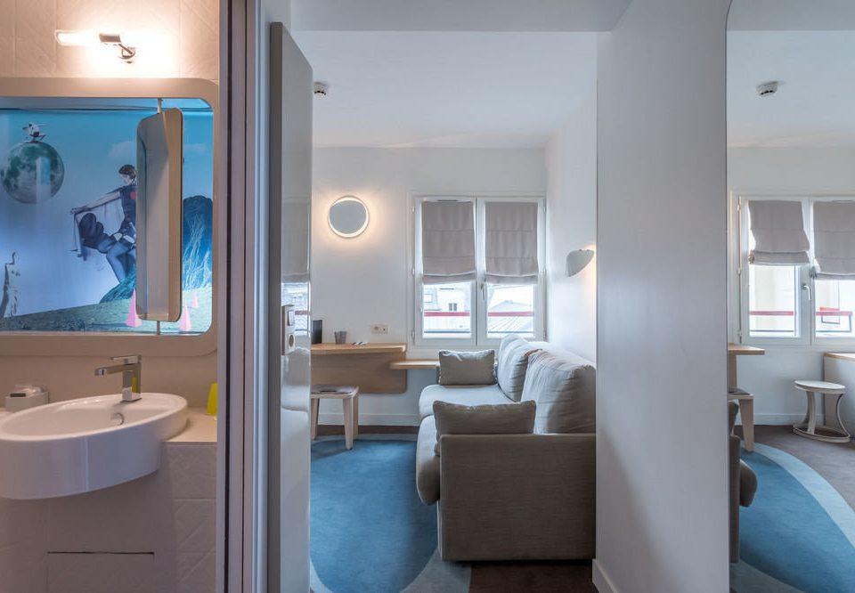 property home condominium bathroom Suite Bedroom Modern