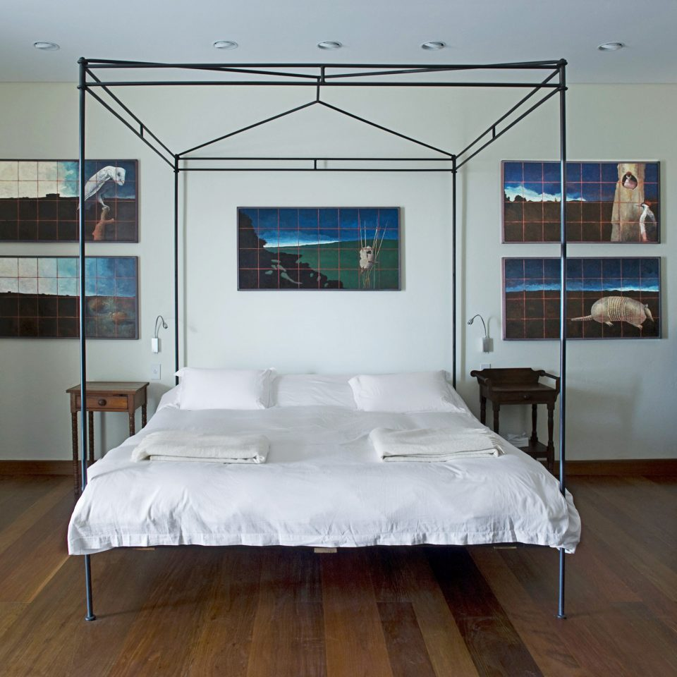 Bedroom Modern Suite property living room home bed frame cottage loft