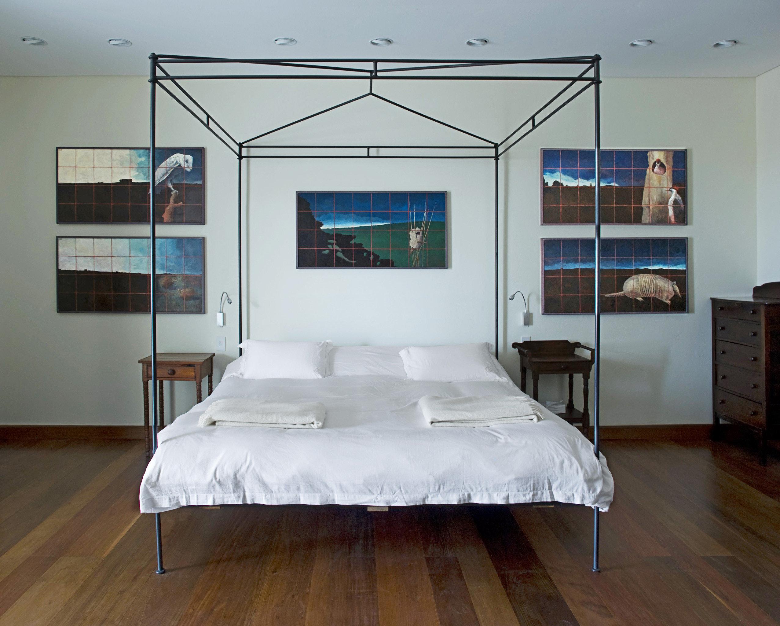 Bedroom Modern Suite property living room home bed frame cottage loft