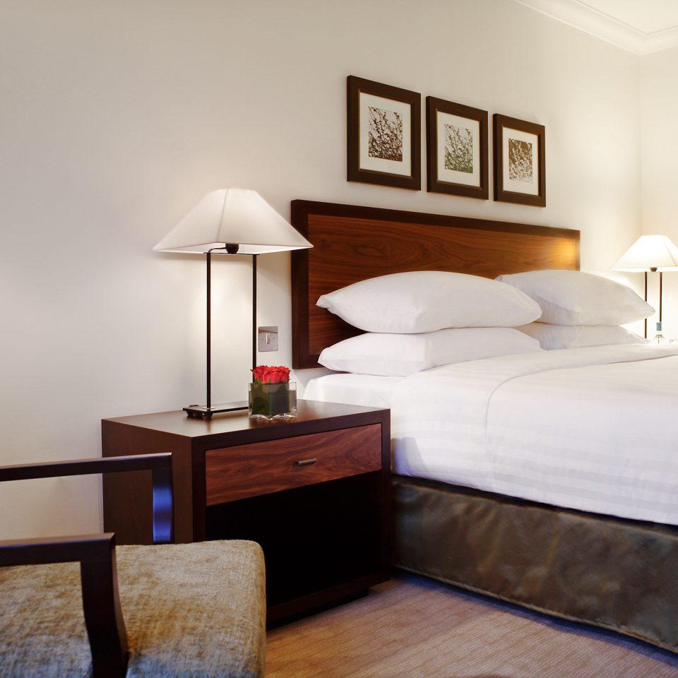 Bedroom Modern Suite sofa property cottage hardwood lamp bed frame