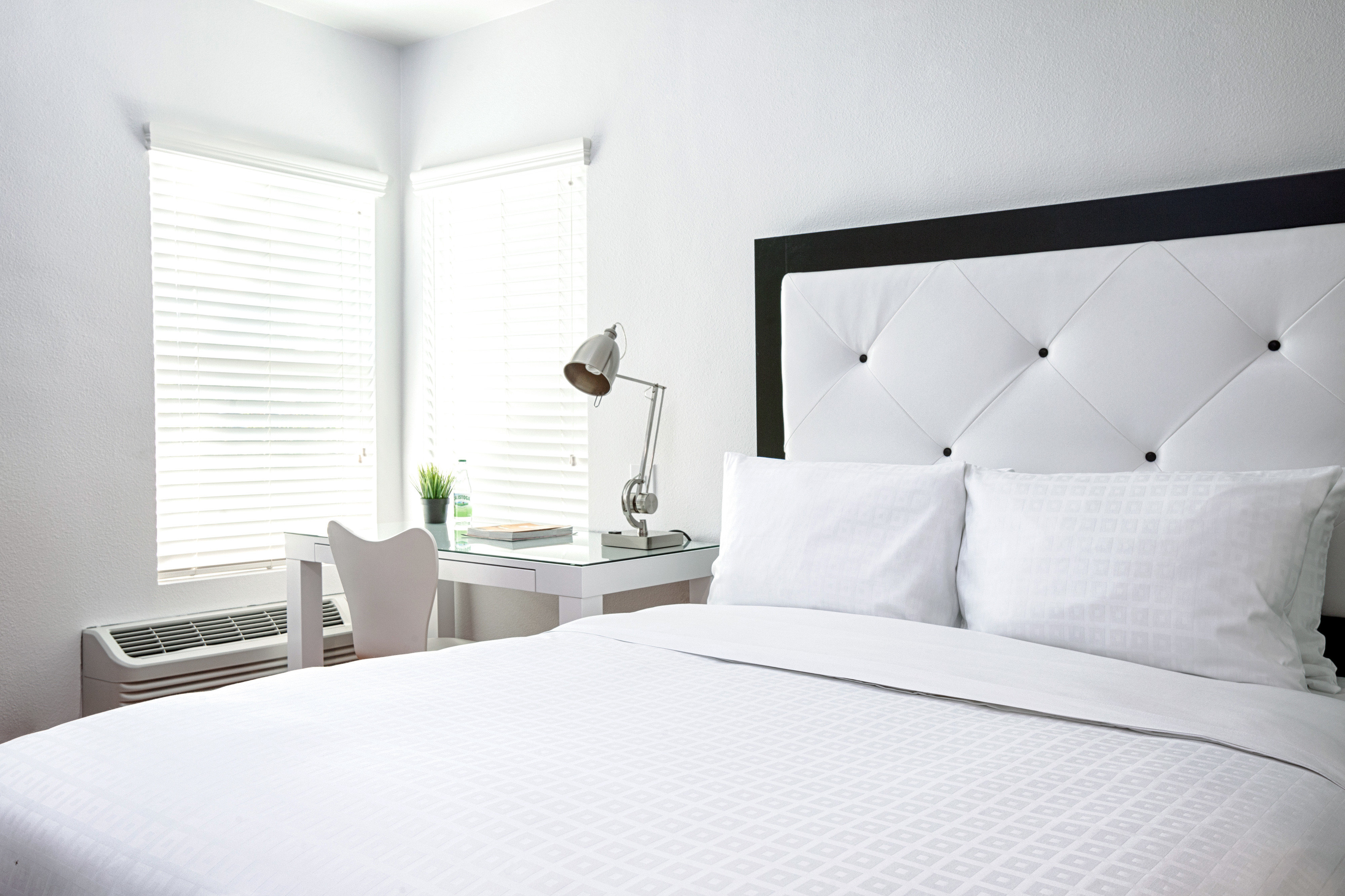 Bedroom Modern white property pillow Suite bed sheet cottage bedclothes