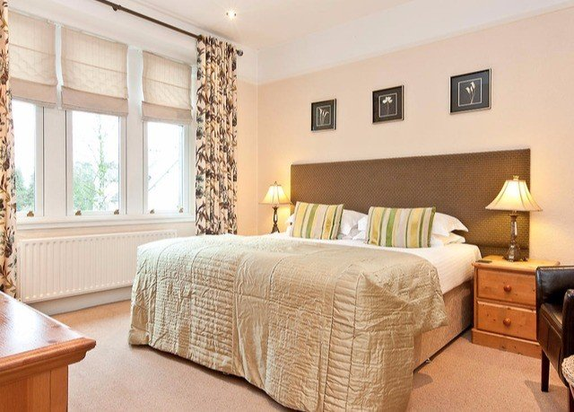 sofa Bedroom property Suite cottage hardwood living room bed sheet Modern