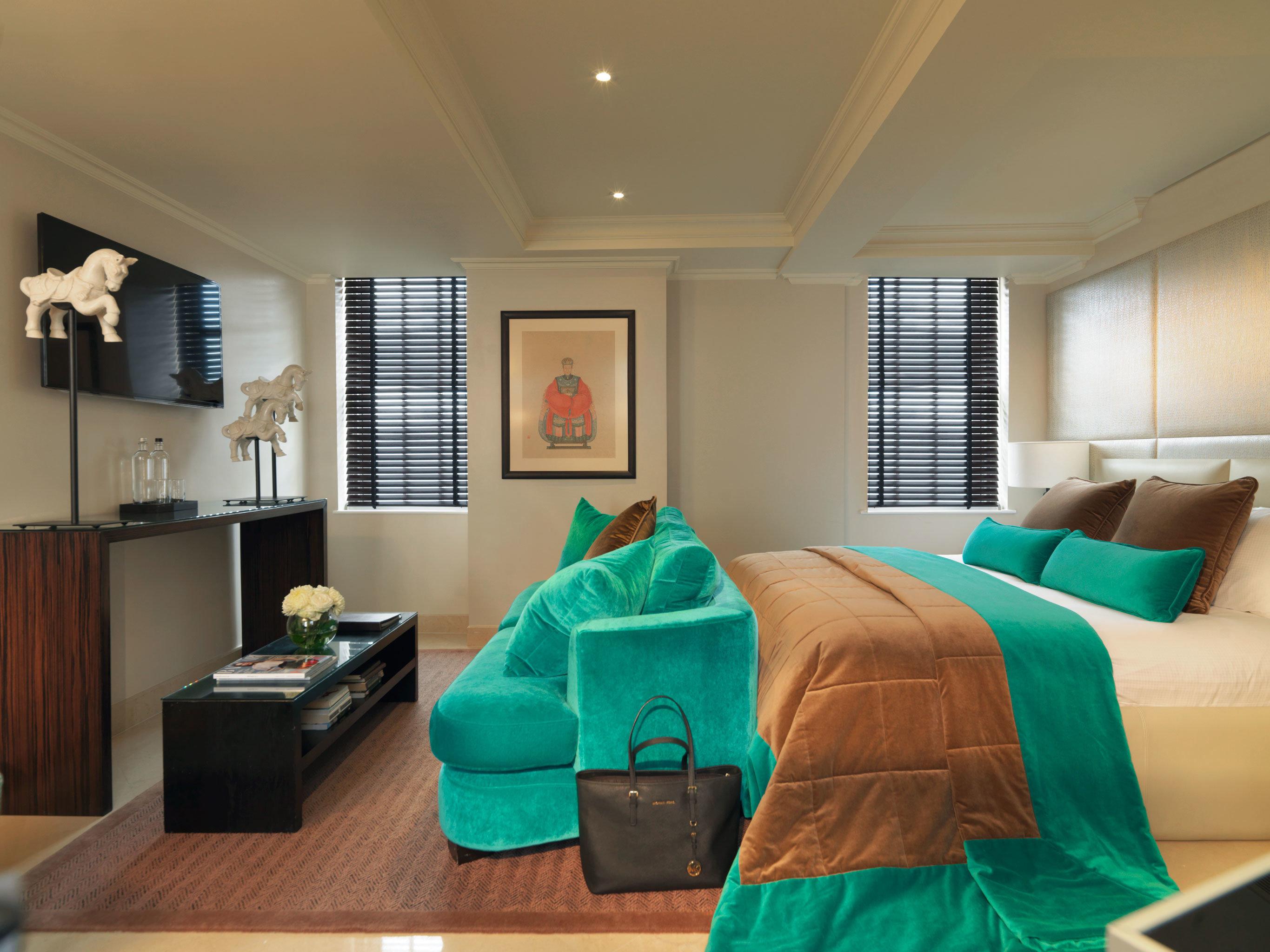 Bedroom Modern green property living room home hardwood Suite cottage bed sheet colored