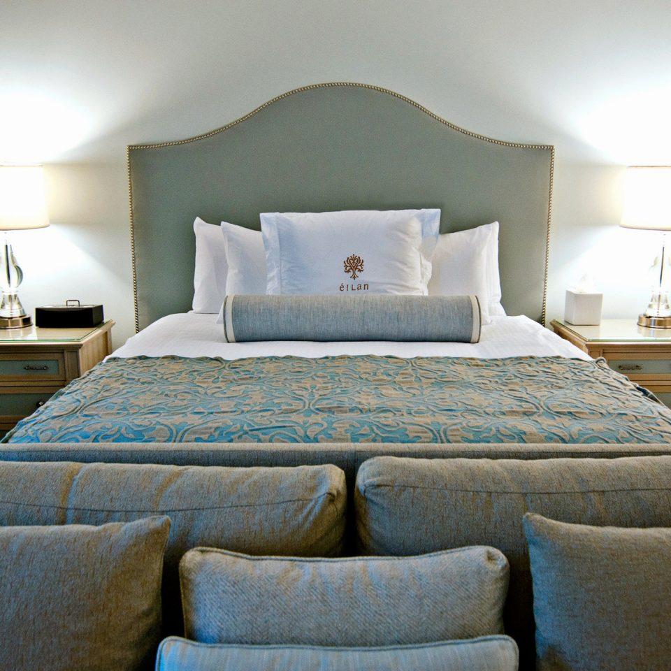 Bedroom Modern property Suite green living room cottage home blue colored