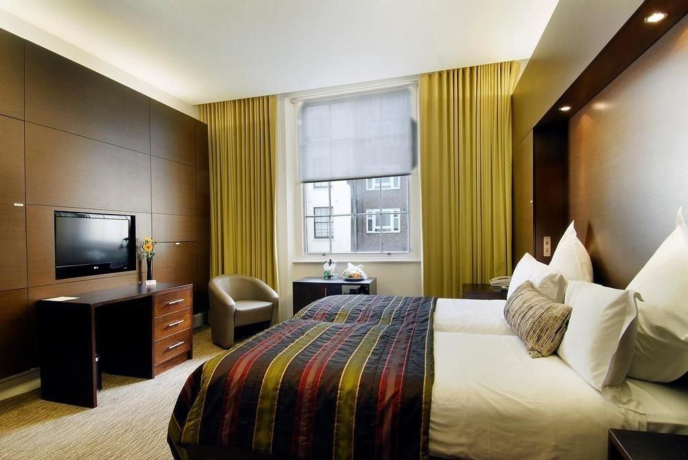 sofa property Bedroom Suite condominium living room flat Modern clean