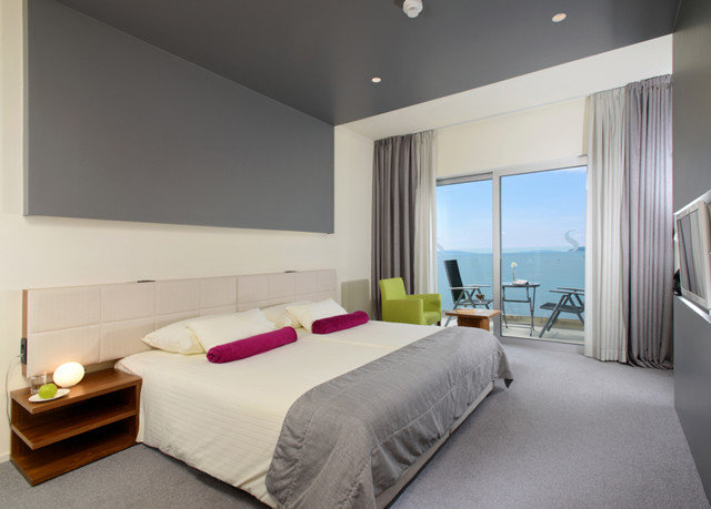 Bedroom property Suite condominium living room flat Modern clean