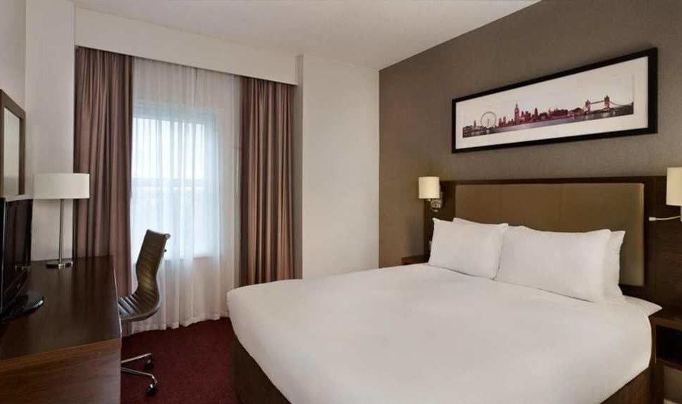 property Suite white condominium Bedroom flat clean Modern