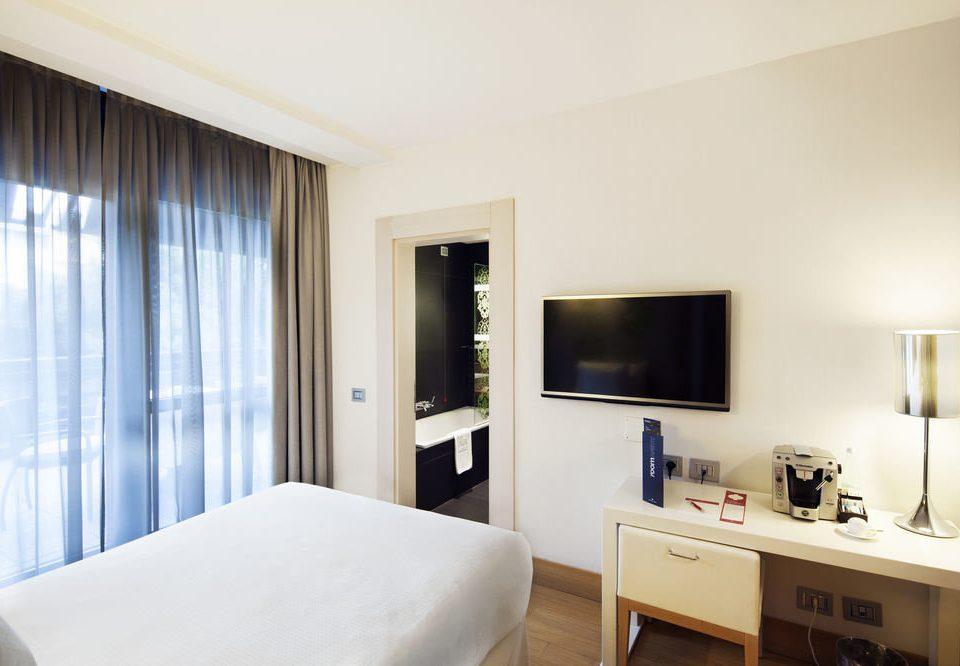 property Suite condominium home Bedroom cottage living room flat Modern