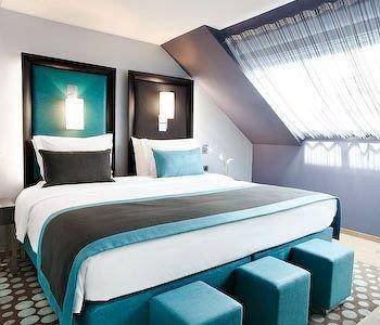 property Bedroom Suite living room yacht condominium Modern