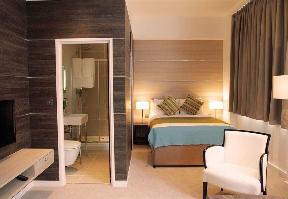 property Suite condominium Bedroom cottage living room Modern
