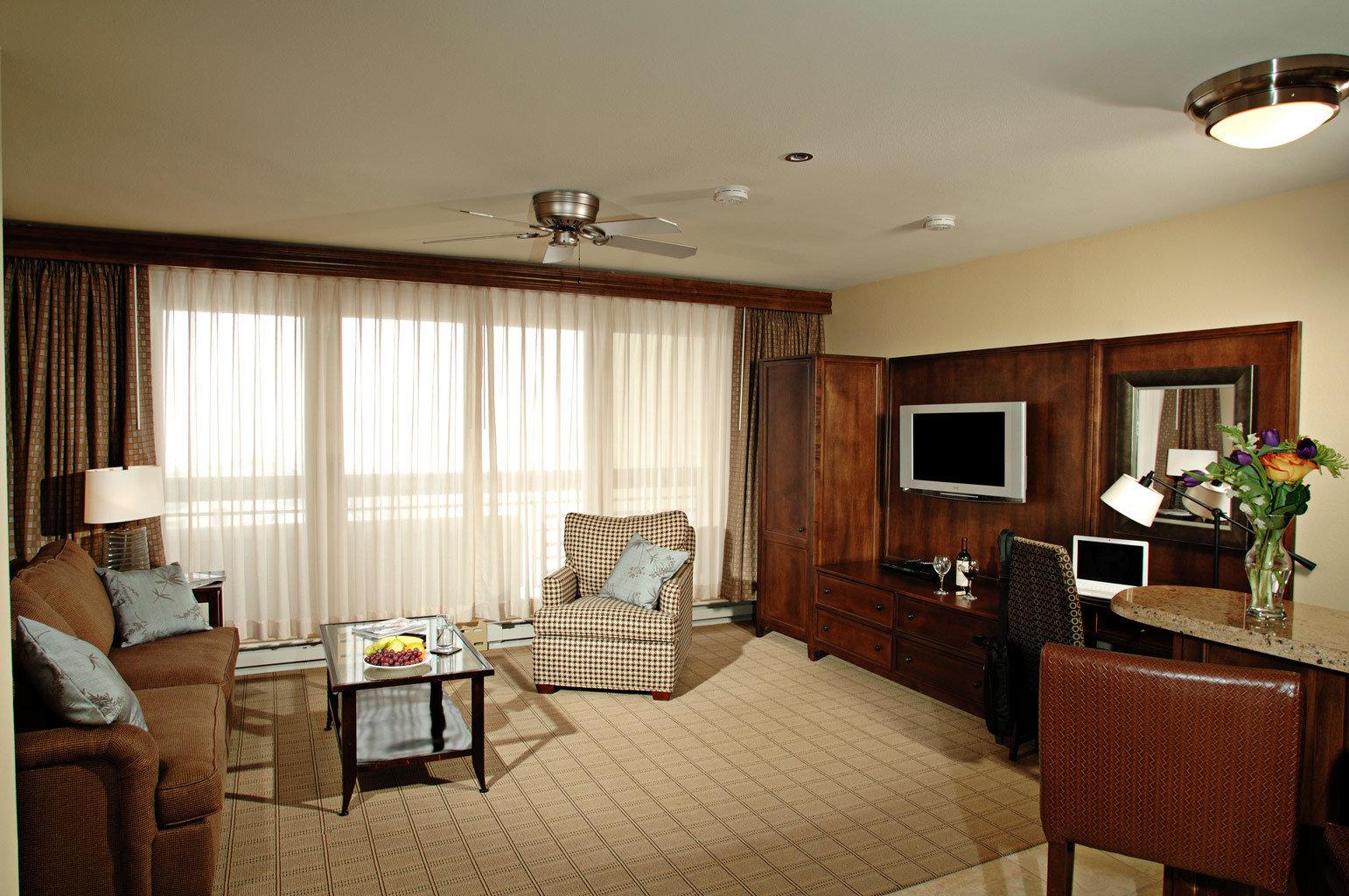 Modern Suite property living room home condominium Bedroom cottage
