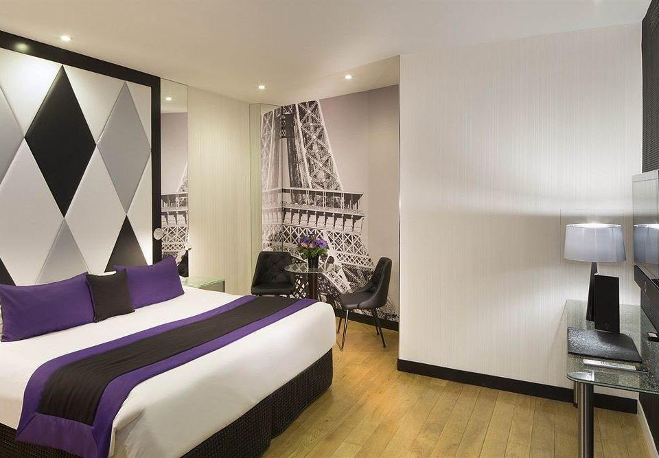property Suite Bedroom condominium living room Modern