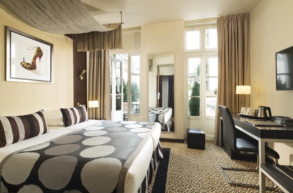sofa property Bedroom Suite condominium living room home cottage Modern