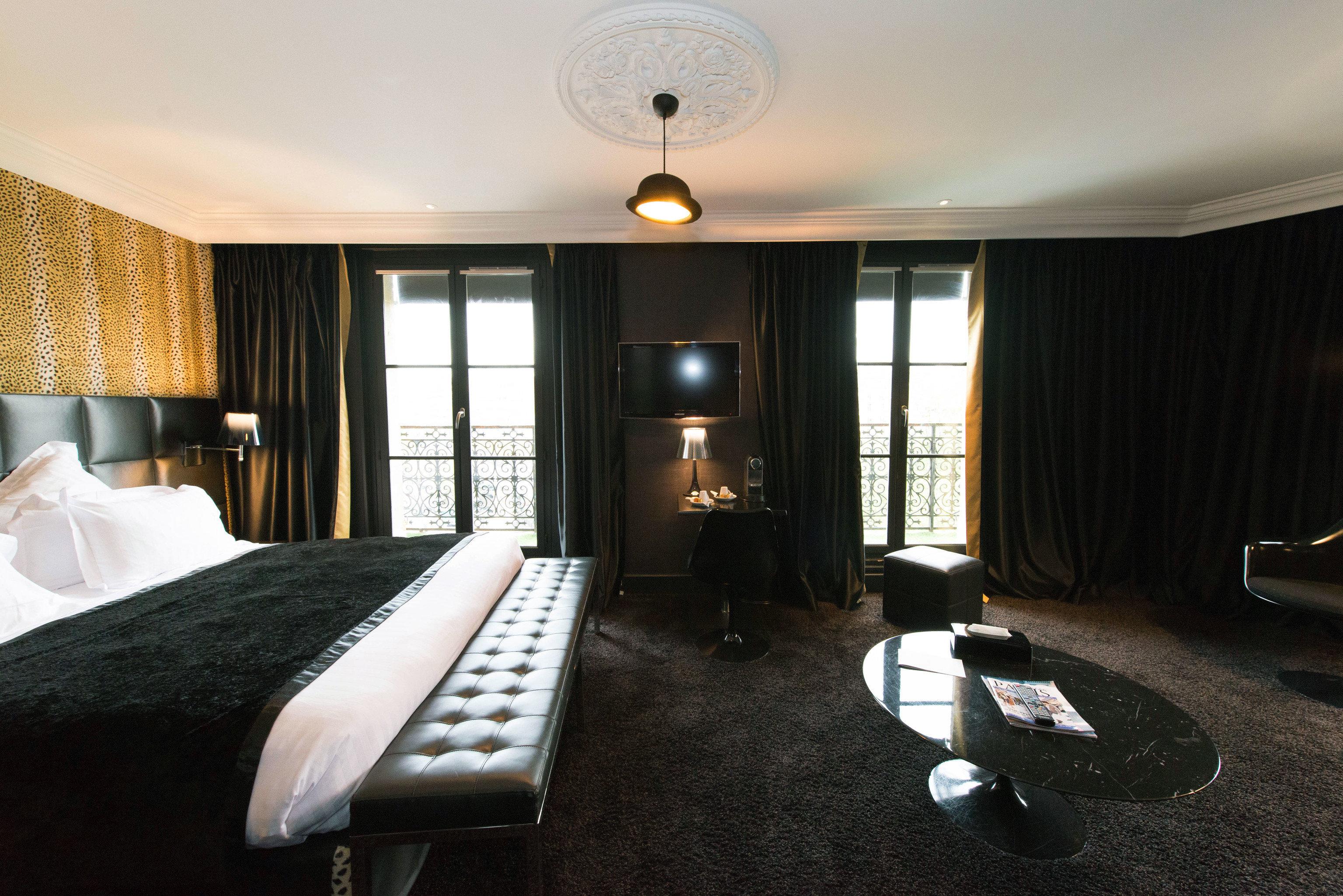 property Suite Bedroom condominium living room home cottage lamp flat Modern