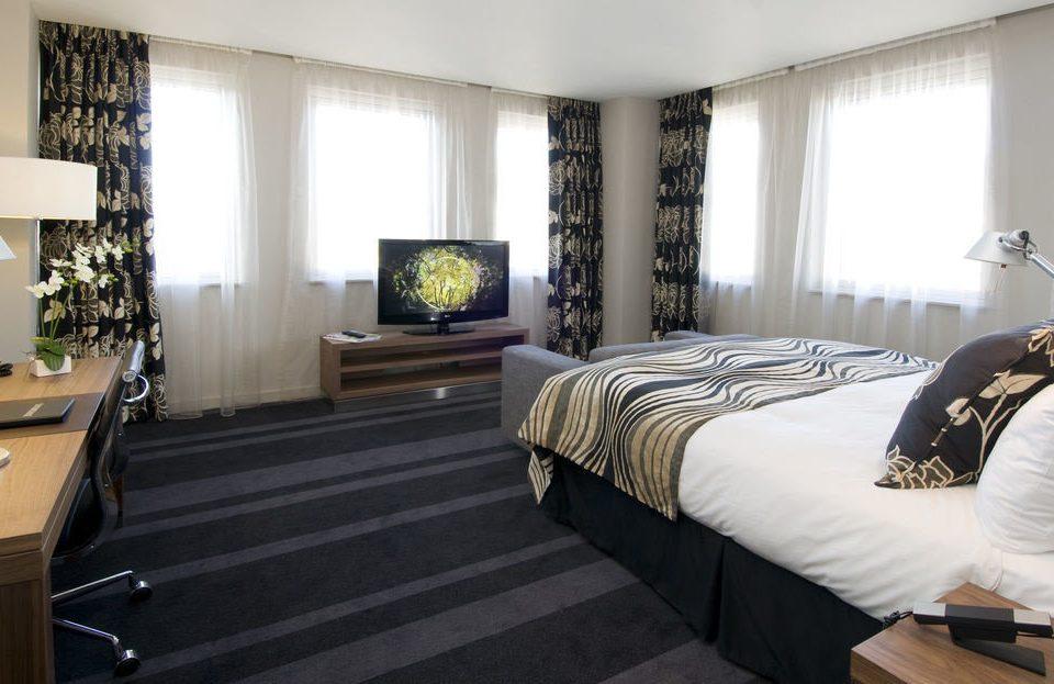 property Bedroom living room home Suite condominium cottage Modern