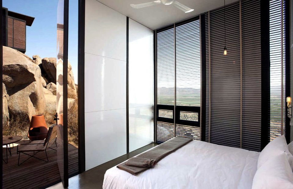 property Bedroom Suite condominium Modern lamp