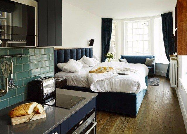 property living room home cottage Suite condominium Bedroom Modern