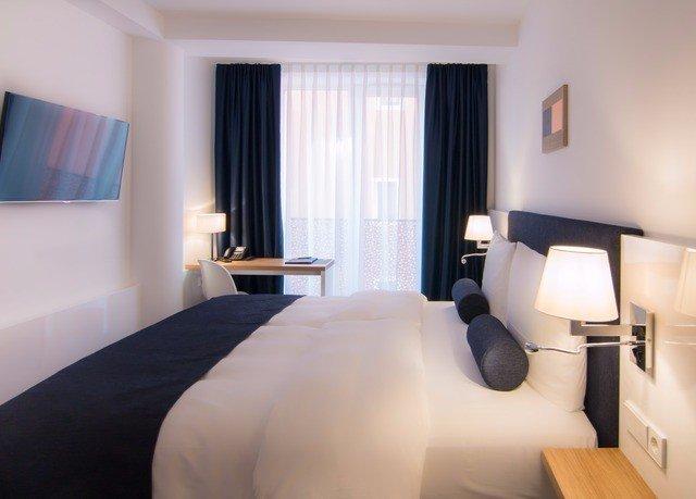 sofa property Suite scene Bedroom white condominium Modern cottage flat