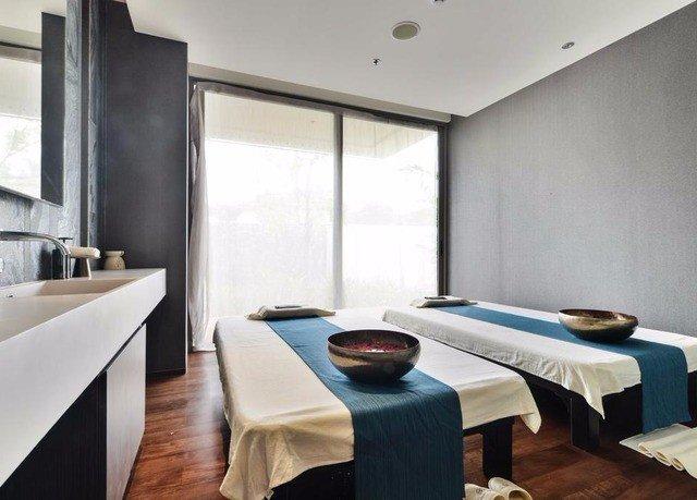 property Suite condominium Modern Bedroom