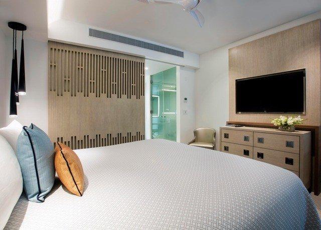 property Bedroom Suite home condominium cottage living room Modern