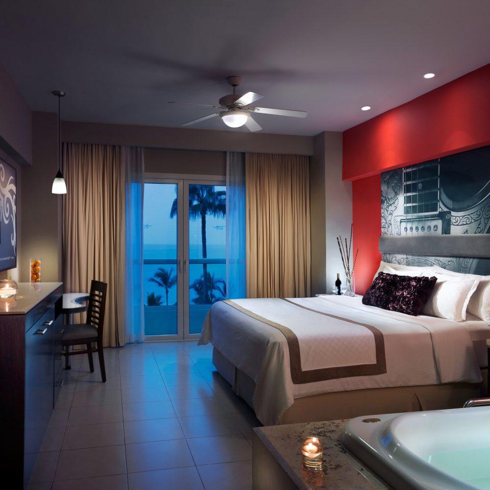 Bedroom Modern property Suite living room home condominium flat