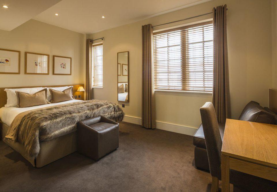 property Bedroom living room home Suite hardwood cottage condominium Modern