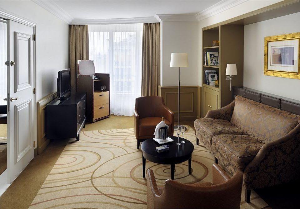 sofa property living room home condominium hardwood Suite cottage Bedroom rug flat Modern leather