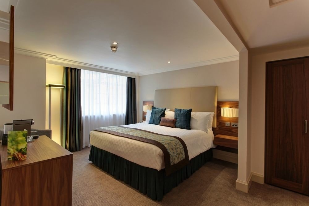 Bedroom property Suite hardwood cottage flat Modern