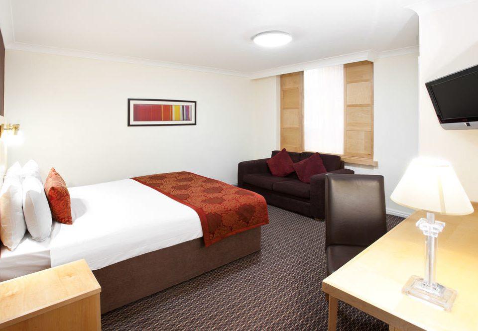 sofa property Suite cottage Bedroom Modern flat