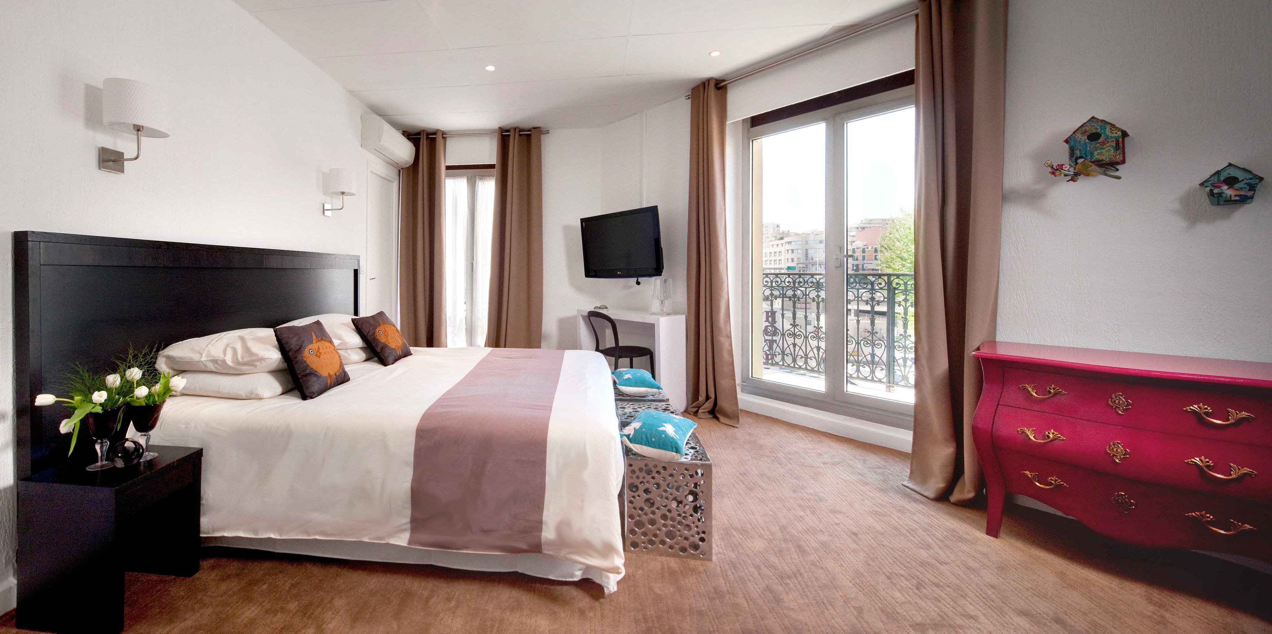 Bedroom Modern Suite property home cottage living room