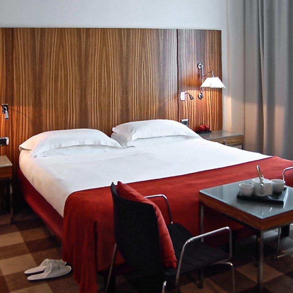 Bedroom Modern property red Suite cottage