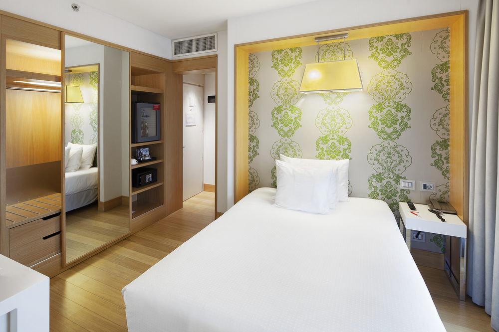 property Bedroom Suite cottage Modern