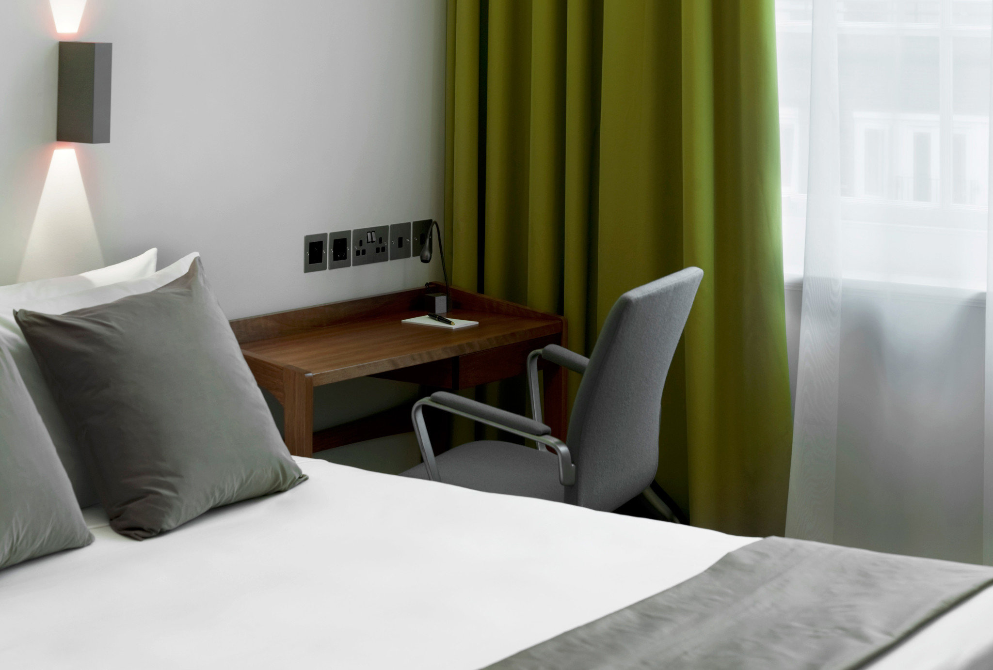 Bedroom Modern property white Suite green curtain cottage pillow
