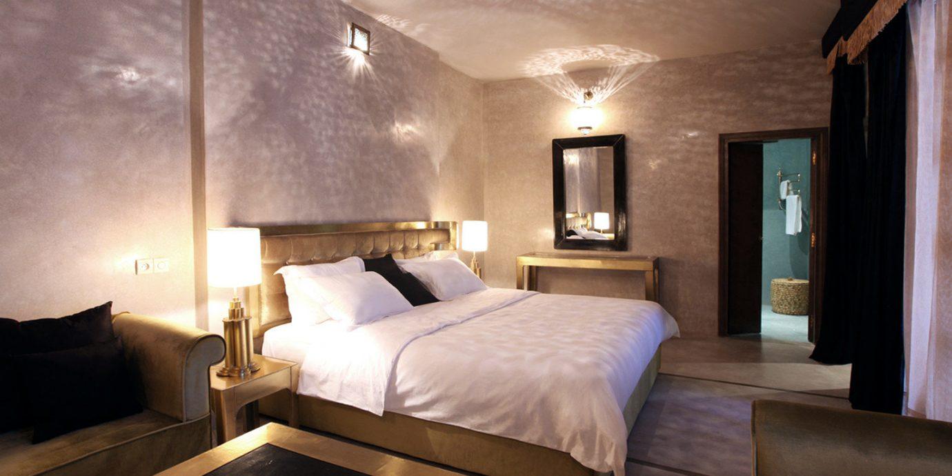 Bedroom Modern property Suite living room cottage lamp