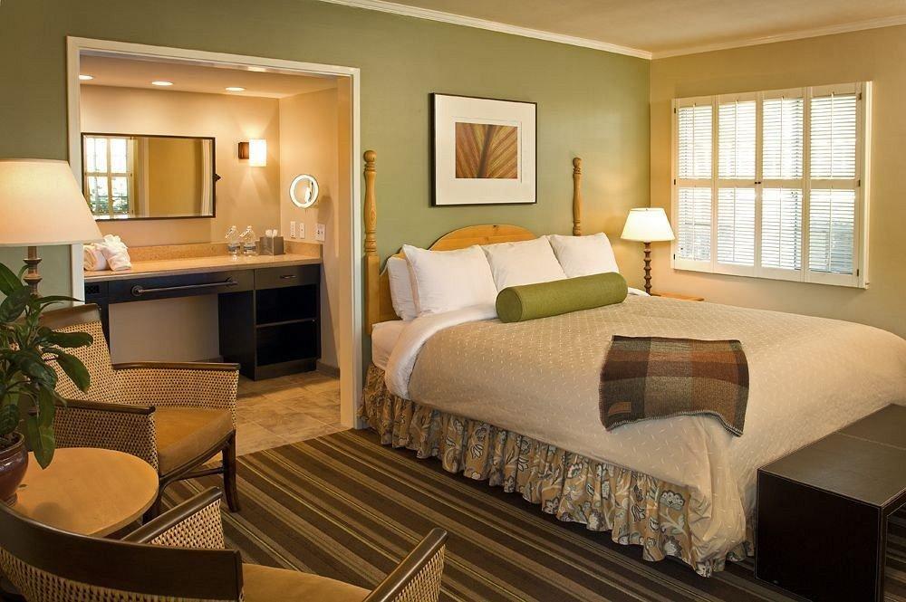 property Bedroom Suite living room cottage Modern
