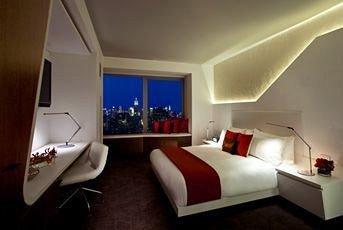 Bedroom Modern property Suite flat