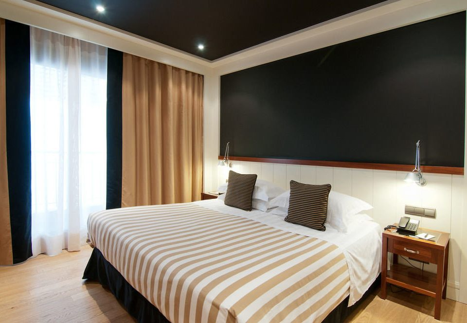 Suite white Bedroom flat Modern