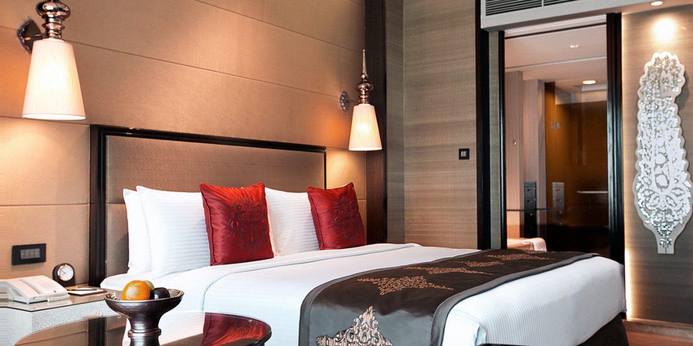 Bedroom Modern property Suite nice living room